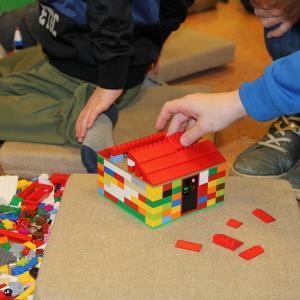 By en bunker i lego